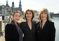 Carola Bleibtreu (Katerina Jacob), Maria Lieblich (Thekla Carola Wied, Mitte) und Steffi Krieg (Mona Seefried, rechts) fühlen sich in ihrer neuen Wahlheimat Dresden zu Hause.