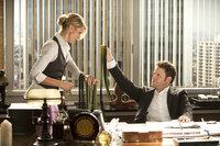 Verliebt sich in Lenore Case (Cameron Diaz, l.): Britt (Seth Rogen, r.), der nicht weiß, dass auch Kato sein Herz an die attraktive Frau verloren hat ...