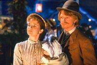 Lea Thompson (Maggie / Lorraine McFly), Michael J. Fox (Marty / Seamus McFly).