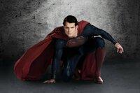 Aus großer Macht folgt große Verantwortung: Der Fortbestand der Erde lastet auf Superman Clark Kents (Henry Carvill) breiten Schultern ...