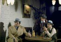 Die Gauner Henry (Paul Newman, rechts) und Johnny (Robert Redford, Mitte) wiegen den Zocker Lonnegan (Robert Shaw) in Sicherheit, um ihn nach allen Regeln der Kunst auszunehmen.
