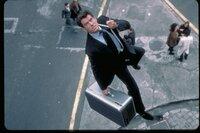James Bond (Pierce Brosnan) tritt immer mit Stil ab