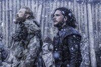 Tormund Giantsbane ( Kristofer Hivju, l), Jon Snow (Kit Harington, r).