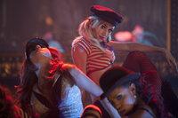 Das Burlesque-Tanzen ist ihr Element: Natalie (Dianna Agron, M.), Coco (Chelsea Traille, r.) und Scarlett (Tanee McCall, l.) ...