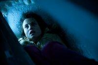 Während ihrer Entführung durchlebt Maggie (Gitte Witt) einen wahren Albtraum.