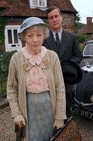 Miss Marple (Geraldine McEwan), D.I. Slack (Stephen Tompkinson)