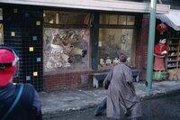 Privatdetektiv Carnby (Christian Slater) hat den Zombies den Kampf angesagt.