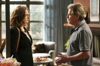 Brennans (Emily Deschanel) Vater Max (Ryan O_Neal) erkennt, wie sehr seine Tochter unter dem Horror eines nicht gelösten Falles leidet.