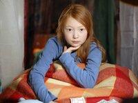 Emma (Aurelia Stern) ist traurig, weil ihre Eltern vorübergehend in das Hauptquartier der Pfefferkörner einziehen.Â