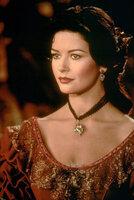 Elena (Catherine Zeta-Jones) kehrt nach Jahren in ihre Heimat zurück ...