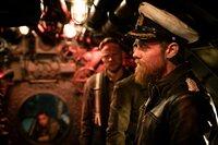 Ulrich Wrangel (Stefan Konarske) ist zunehmend besessen davon, Kapitän von Reinhartz und dessen U-822 zur Strecke zu bringen. Von seiner Mannschaft verlangt der das Äußerste.