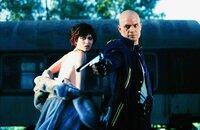 Agent 47 (Timothy Olyphant) und Nika (Olga Kurylenko) versuchen, mit dem Zug St. Petersburg zu verlassen, werden am Bahnhof aber von vier Agenten abgefangen und beschossen...