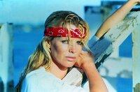 Domino Petachi (Kim Basinger)