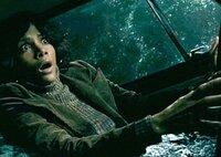 Auf die kritische Journalistin Luisa Rey (Halle Berry) wird ein Mordanschlag verübt.