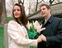 Im Bild: Charlotte (Kristin Davis) hat auf dem Friedhof einen Mann kennengelernt.