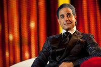 Der flamboyante Moderator der Hungerspiele: Caesar Flickerman (Stanley Tucci) ...