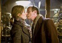 Rudolf (Johannes Herrschmann) und Karina (Katja Weitzenböck) verlieben sich wider Willen ineinander.