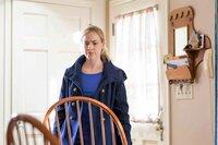 Abbie (Amanda Schull)