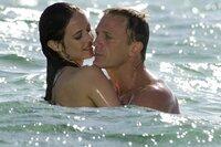 Vesper Lynd (Eva Green) und James Bond (Daniel Craig) kommen sich näher