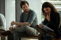 Der Plan des LKA geht auf: Alex (Franz Dinda) interessiert sich für die verdeckte Ermittlerin Aylin (Aylin Tezel).
