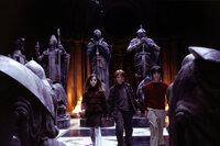Ein eingeschworenes Team: Hermione (Emma Watson, l), Ron (Rupert Grint, M.) und Harry Potter (Daniel Radcliffe, r.) ...