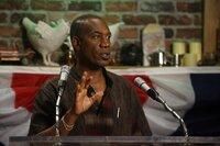Der neue Bürgermeister von Eureka: Henry (Joe Morton) ...