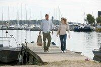 Thomas (Jakob Cedergren) und seine Ex-Frau kommen sich immer näher: Pernilla (Ane Dahl Torp) zieht bei ihm auf der ruhigen Insel Harö ein.