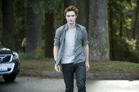 Edward (Robert Pattinson)