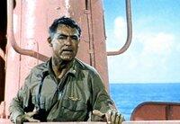 Kapitän Sherman (Cary Grant) ist mehr als überrascht, als er sein U-Boot im schönsten Rosa leuchten sieht.