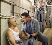 Javed (Faran Tahir), Ray Breslin (Sylvester Stallone), Emil Rottmayer (Arnold Schwarzenegger).