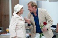 Torsten (Eckhard Preuß) ist sauer, weil seine Frau Doris an ihrem Geburtstag einfach abgehauen ist. Als er sie schließlich in einem Wellness-Hotel aufspürt und mit der Familie überraschen will, macht Doris ihm einen Strich durch die Rechnung. Tante Ida (Monika John) versteht Torstens Aufregung nicht.