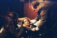 L-R: Dr. Simon (Simone Thomalla), Tanja Roloff (Carol Campbell), Gottfried Engel (Ottfried Fischer)