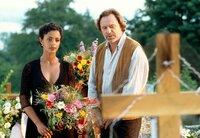 Rudolf (Gerd Silberbauer) hat sich in Madlon (Dennenesch Zoude) verliebt.