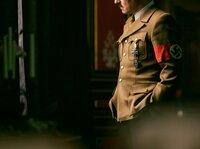 Am 30. Januar 1933 wird Adolf Hitler zum Reichskanzler ernannt. Nur 18 Monate später ist Deutschland eine Diktatur.