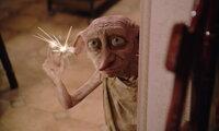 Hauself Dobby (Bild) will Harry unbedingt davon abhalten, weiter auf die Schule für Hexerei und Zauberei zu gehen. Doch was der boshafte Elf auch anstellt - Harry lässt sich nicht beirren ...