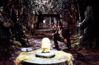 Endlich stößt Archäologieprofessor Indiana Jones (Harrison Ford) auf den Stein der Weisen ...