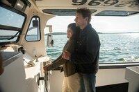 Julia (Catherine Bode) und Rick (Thomas Unger) genießen die Bootstour.