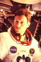 Neil Armstrong (Tony Goldwyn)
