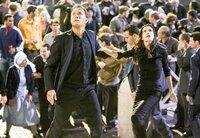 Robert Langdon (Tom Hanks l.), Vittoria Vetra (Ayelet Zurer r.)