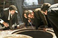V.l.: Inspector Olivetti (Pierfrancesco Favino), Vittoria Vetra(Ayelet Zurer), Robert Langdon (Tom Hanks), Claudio Vincenzi (David Pasquesi)
