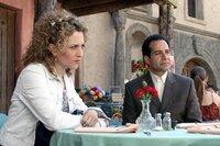 L-R:  Sharona Fleming (Bitty Schram), Adrian Monk (Tony Shalhoub)