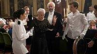 Joe Castlemans (Jonathan Pryce, 2. v. re.) Frau Joan Castleman (Glenn Close) platzt der Kragen.