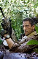 """Der frühere US-Army-Soldat Royce (Adrien Brody) muss erleben, dass die blutrünstigen """"Predators"""" ihn auf einen ihrer Planeten verschleppt haben, um an ihm ihre kämpferischen Fähigkeiten zu testen ..."""