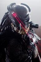 """Entführen Menschen von der Erde, damit sie Teil ihres mörderischen Spiels werden: die """"Predators"""" ..."""