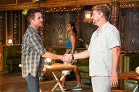 Patrick Monahan (Patrick Monahan, l.) und Orville 'Rick' Wright (Zachary Knighton)