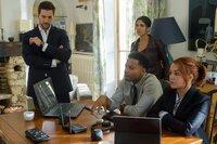 Eric Beaumont (Luke Roberts), Zara Hallam (Nazneen Contractor), Oliver Yates (Brandon Jay McLaren) und Maxine Carlson (Sarah Greene)