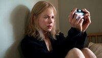 """ARD Degeto ICH.DARF.NICHT.SCHLAFEN, """"Before I go to sleep"""", am Dienstag (20.09.16) um 23:30 Uhr im ERSTEN. Jeden Morgen wacht Christine (Nicole Kidman) auf und kann sich an nichts erinnern! Nach anfänglicher Scheu beginnt sie, ihre Erinnerungen mit einer Fotokamera in Selfie-Videos festzuhalten."""