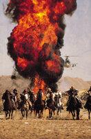 Mit Hilfe der Mujahedin nimmt Rambo den tödlichen Kampf gegen die Russen auf, um seinen guten Freund Trautman zu befreien ...