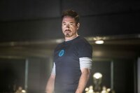 Als Folge der Alieninvasion in New York leidet Tony Stark (Robert Downey Jr.) unter Panikattacken.