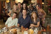 Jason Bateman (Jason), Kristen Bell (Cynthia), Jon Favreau (Joey), Kristin Davis (Lucy), Vince Vaughn (Dave), Faizon Love (Shane), Malin Akerman (Ronnie), Kali Hawk (Trudy).